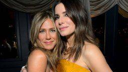 ¡Dando el ejemplo! Jennifer Aniston y Sandra Bullock sí usan el barbijo