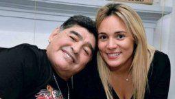 Rocío Oliva quiere una indemnización por ser la novia de Maradona.