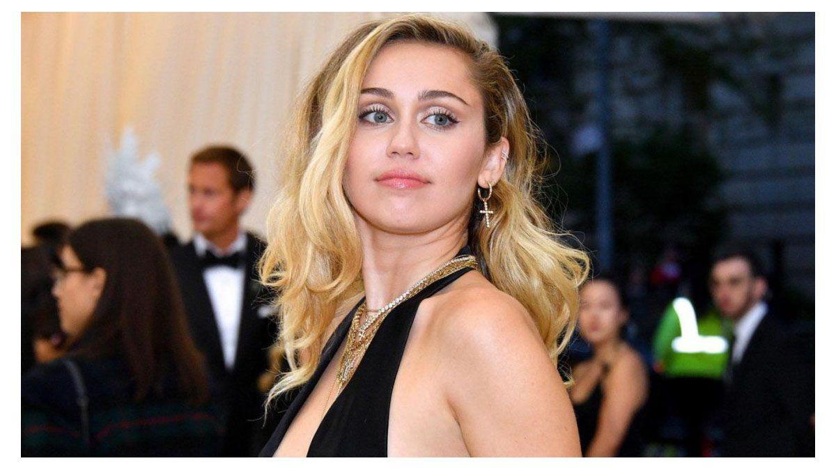 Comunicado de Miley Cyrus ante asesinato de Floyd
