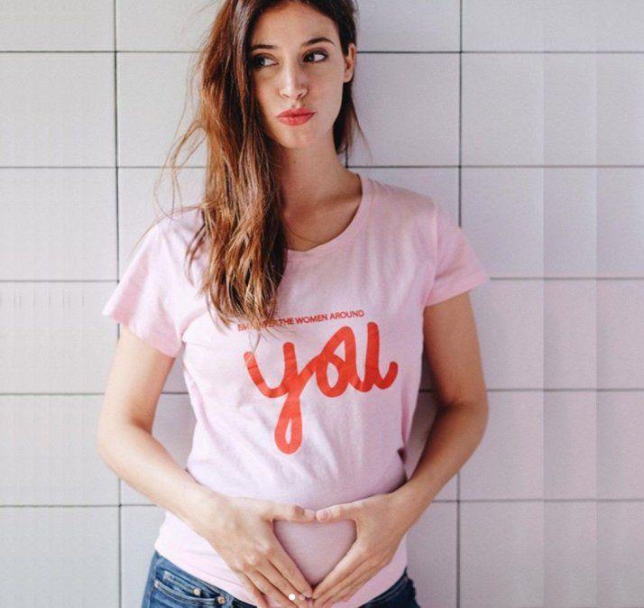 La famosa que mostró su embarazo a los 4 meses: Sentí vivir ese proceso hacia adentro
