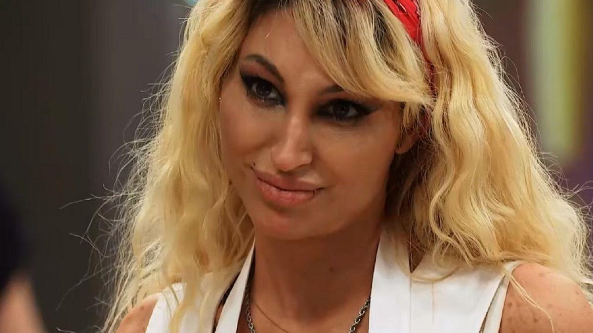 Vicky Xipolitakis resultó positiva de coronavirus