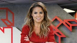 Marina Calabró de árbitra en su programa