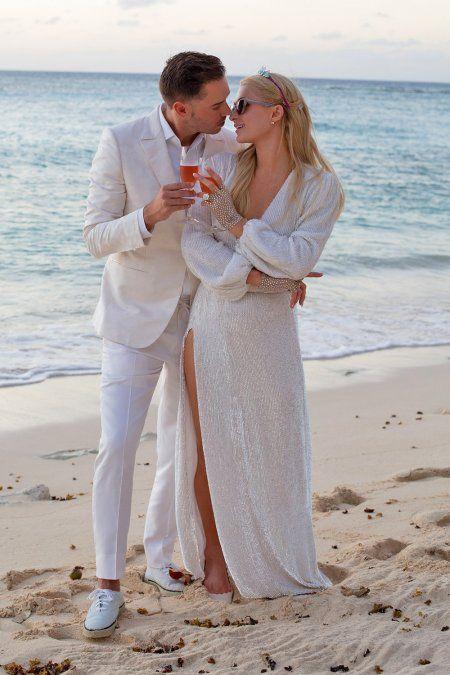 ¡Se comprometió! Paris Hilton dio el gran paso