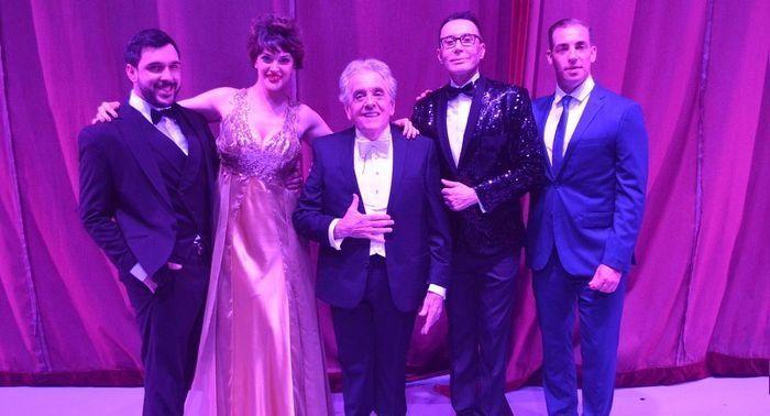 Antonio Gasalla en una Gala junto a Polino