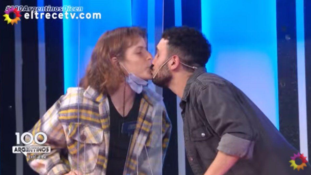 100 Argentinos dicen: la Colo besó a un participante