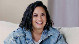 ¡Feliz! Demi Lovato está tranquila siendo soltera