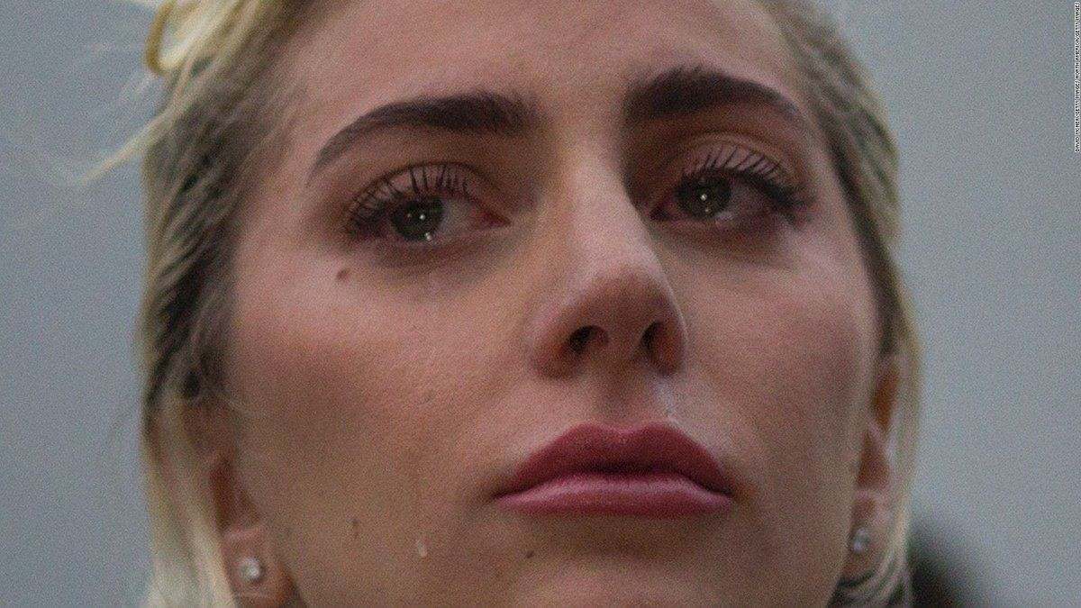 Lady Gaga cuenta que su abuela la salvó de la depresión