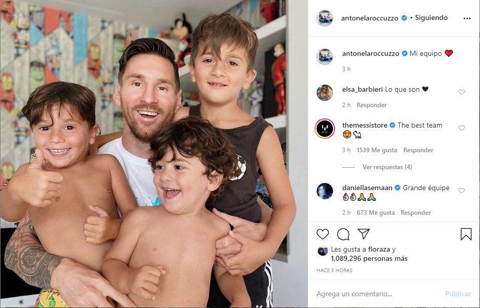 Antonela Roccuzzo registró la hermosa fotografía de Messi junto a sus hijos