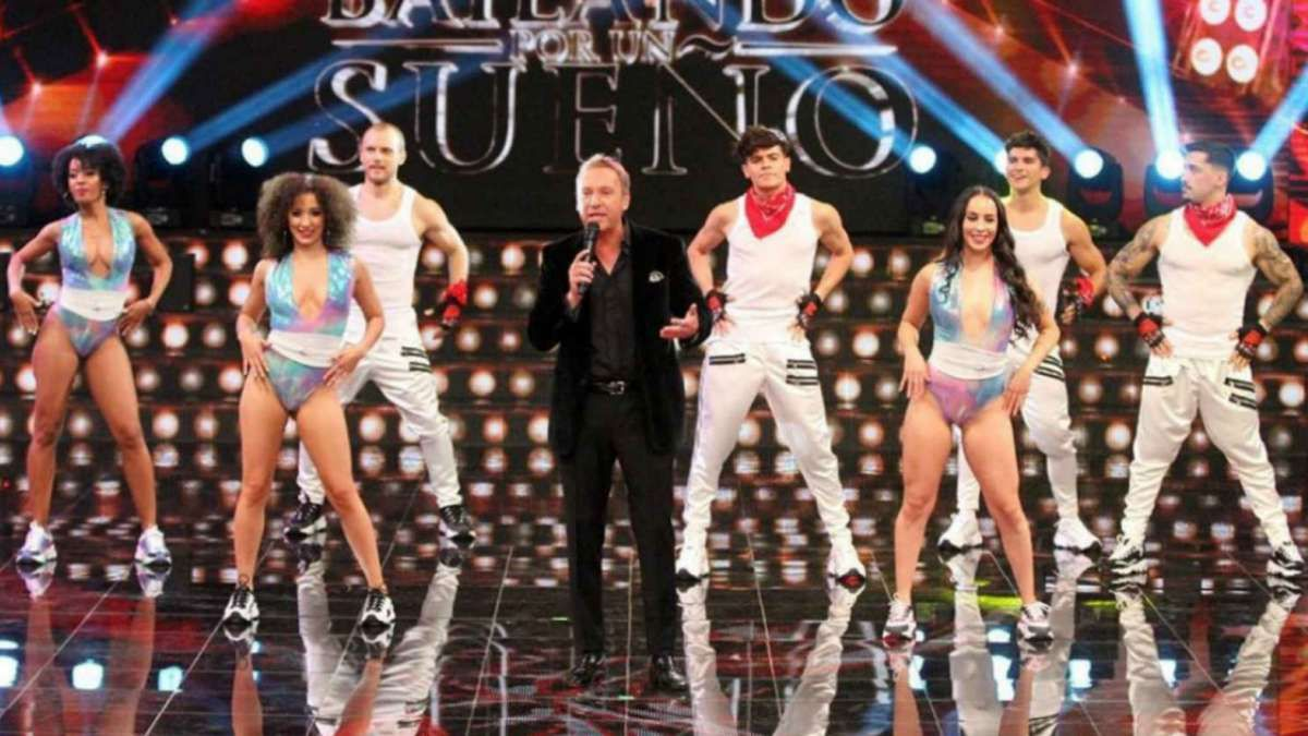 URGENTE: Se confirmó que un integrante del equipo del Bailando 2020 en Chile tiene coronavirus