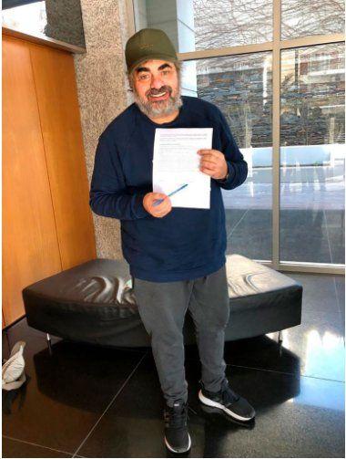 El humorista Roberto Moldavsky compartió una foto donde confirmó su ingreso como participante a Masterchef Celebrity