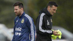 El DT de la selección Argentina Lionel Scaloni confirmó a Messi en la delantera para los dos primero encuentros eliminatorios del mundial de Qatar 2022
