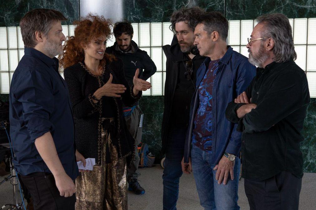 Penélope Cruz, Antonio Banderas y Oscar Martínez protagonizan la película Competencia Oficial que competirá en Venecia
