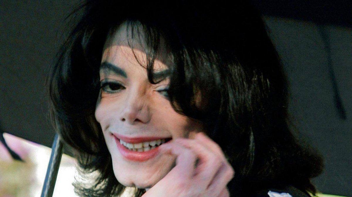 Michael Jackson fue absuelto de manera unánime en un polémico juicio
