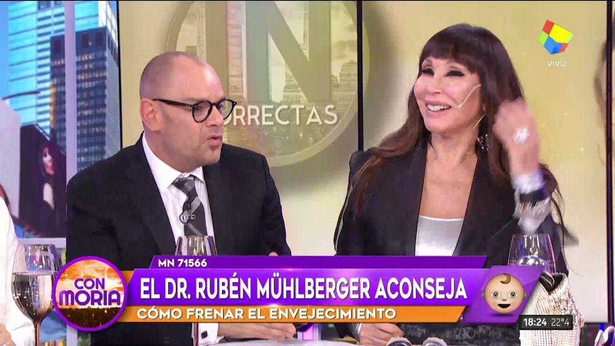 Rubén Mühlberger junto a Moria Casán