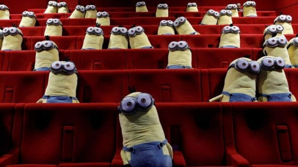 Peluches de Los MInions fueron usados para guardar la distancia social en los cines de Francia