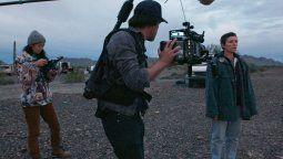 Chloé Zhao dirigió Nomadland, la película que ganó el Globo de Oro