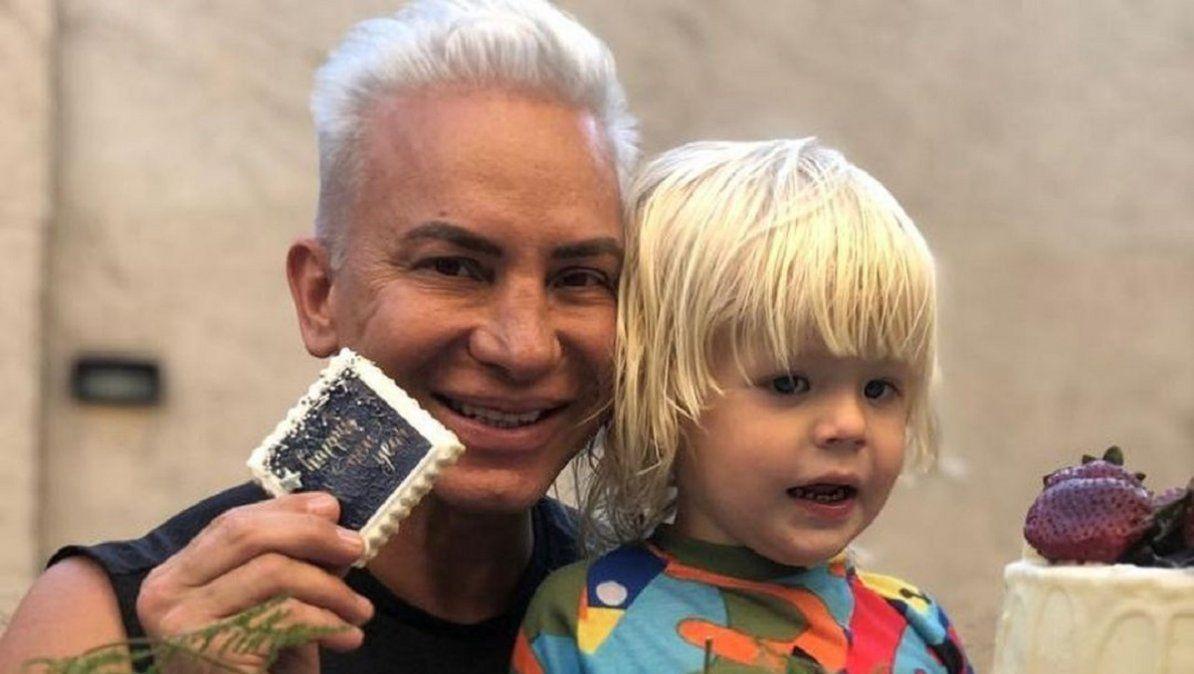 Flavio Mendoza se reencontró con su hijo Dionisio tras superar su contagio de Covid-19
