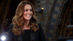 Kate Middleton impactó con su look para su visita al museo