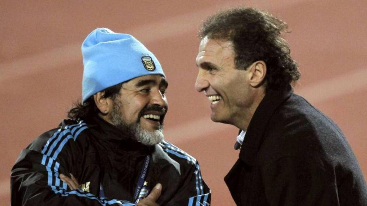 Oscar Ruggeri se refirió a lo imposible que ha sido hablar con Diego Maradona en este último tiempo