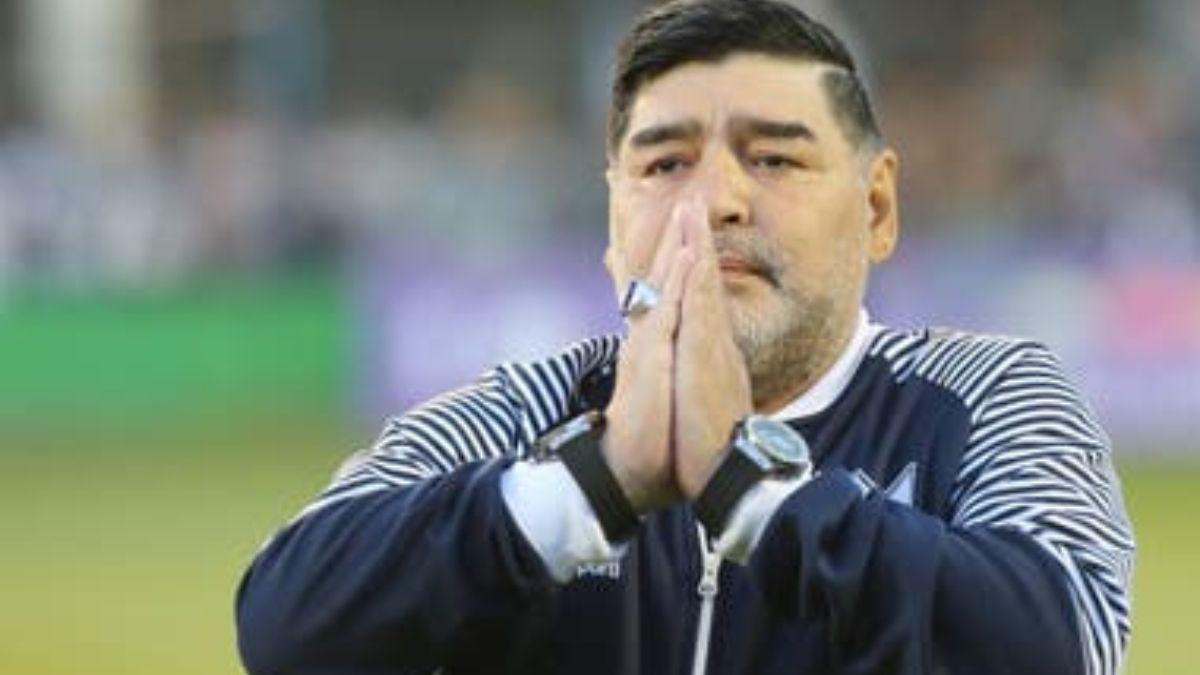 La fiscalía contradijo la versión de la muerte de Diego Maradona