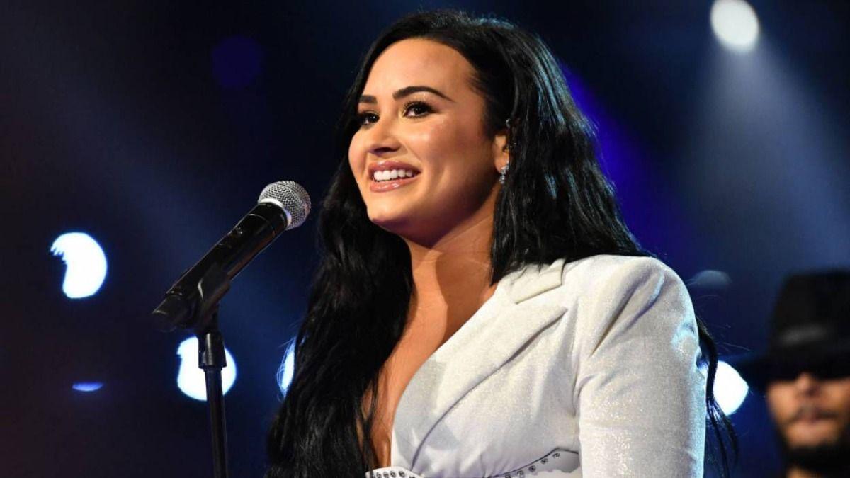 La cantante Demi Lovato se abrió con Rogan