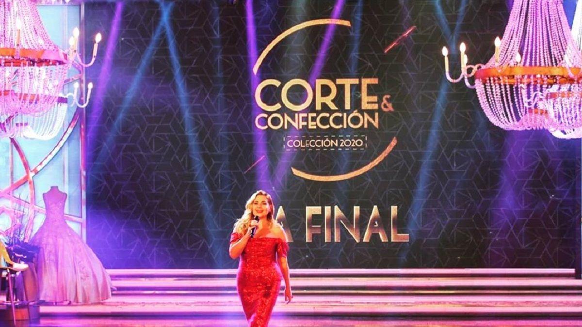 Andrea Politti vuelve con Corte y Confección en su versión de famosos