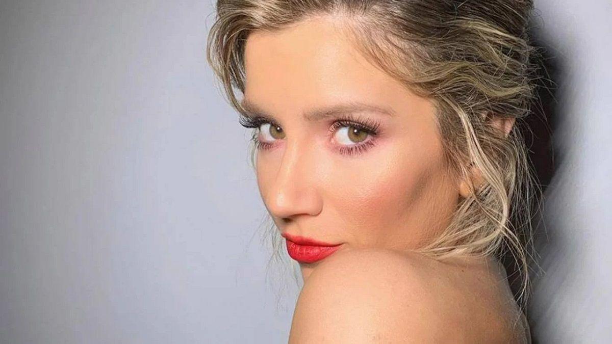 Laurita Fernández cerró el fin de semana con una sensual postal