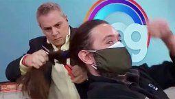 Chile : el periodista humilló al camarógrafo. Sin piedad.