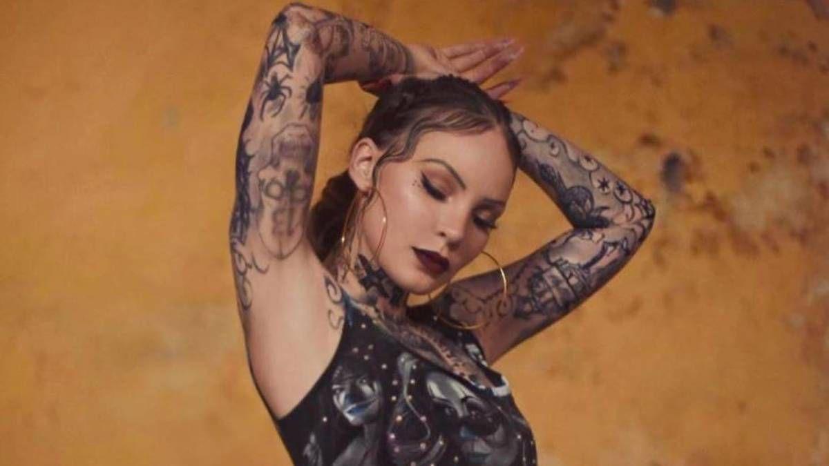 ¡Más tatuajes! Christian Nodal quiere más en el cuerpo de Belinda