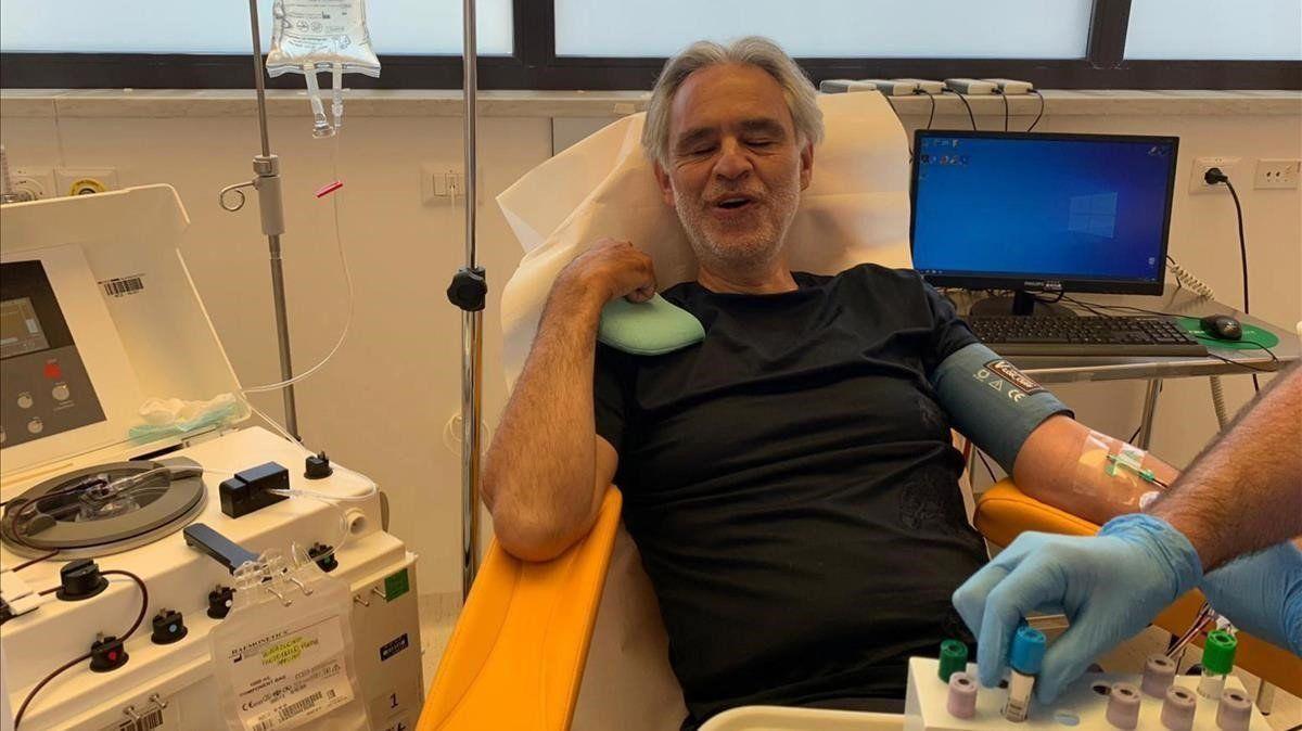 Andrea Bocelli confirmó que tuvo COVID-19 y donará su plasma para investigaciones