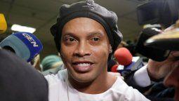 El ex futbolista brasilero Ronaldinho fue liberado hoy