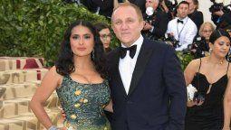 ¡Discriminado! Salma Hayek salió en defensa de su esposo