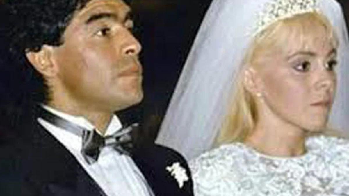 Cómo fue la llegada de Claudia Villafañe para despedir a Diego.