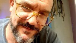 Maxi Ghione con nuevo look, anunció que se someterá a una operación de oídos