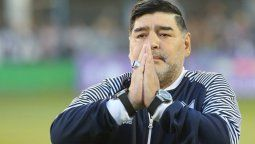 Subastarán las pertenencias de Diego Maradona