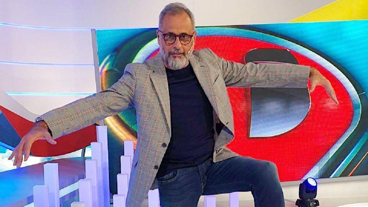 Jorge Rial se postuló para que le apliquen la vacuna rusa