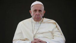El papa Francisco envuelto en otro escándalo por un Me gusta a otra modelo