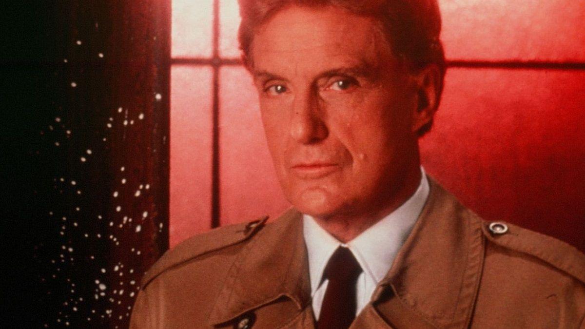 Robert Stack fue el presentador de Unsolved Mysteries en los años ochentas