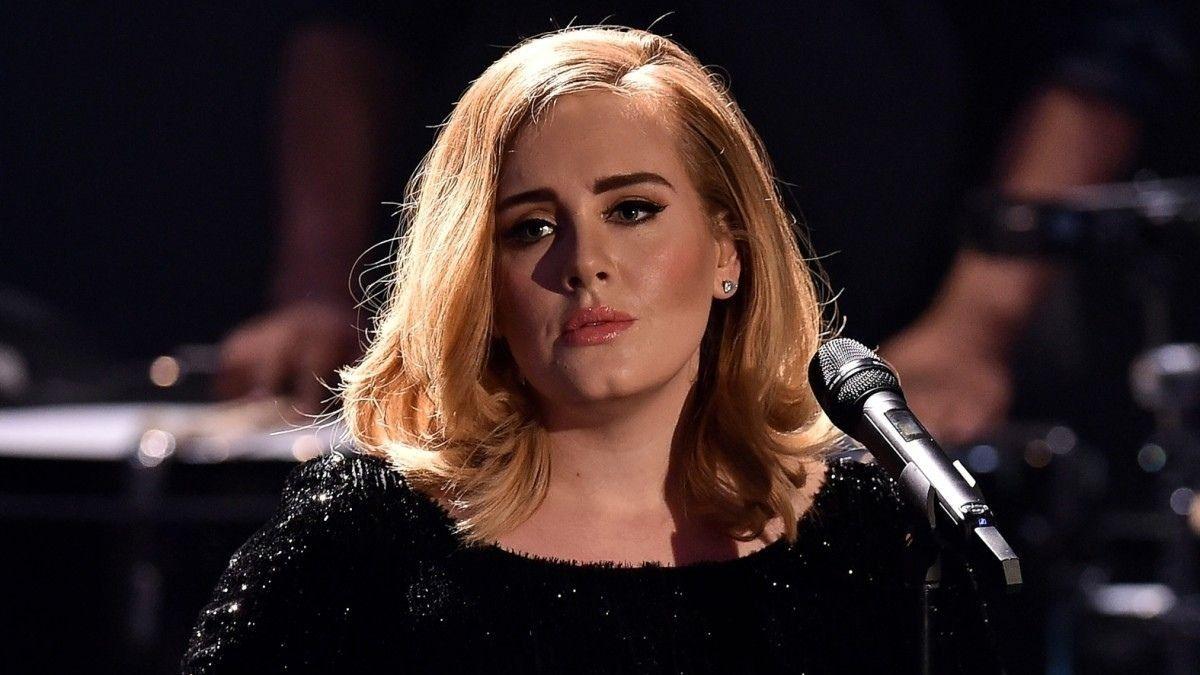La cantante Adele de 33 años es una de las artístas más famosas de la música anglo