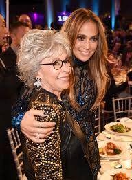 ¡Contra Jennifer Lopez! No podemos dejar que sea la única representante latina