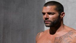 ¡Sin ropa! Ricky Martin se mostró en plena ducha