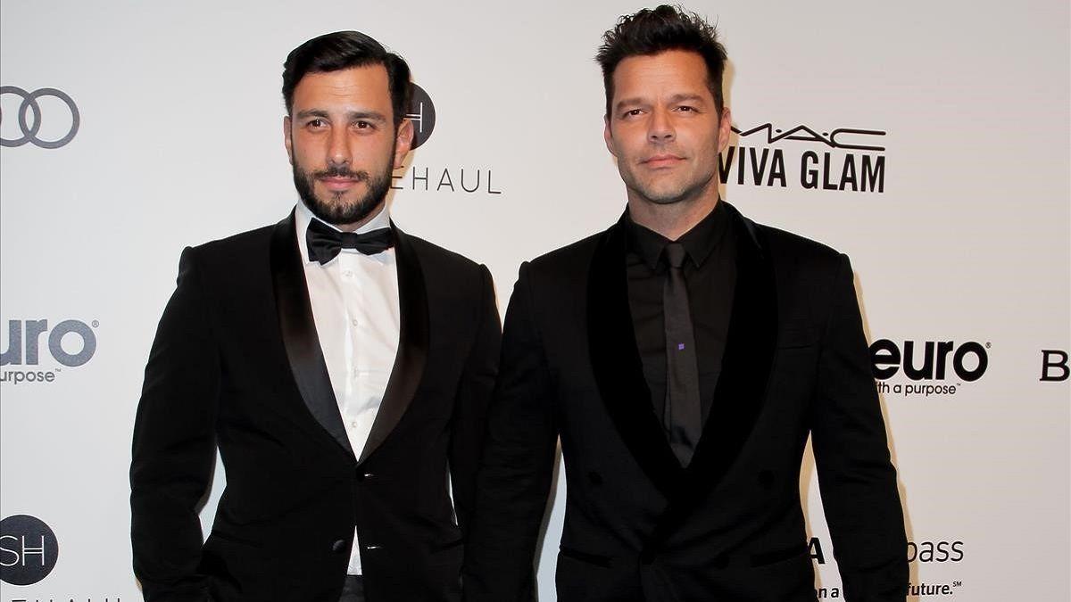 El cantante puertorriqueño junto a su esposo Jwan Yosef
