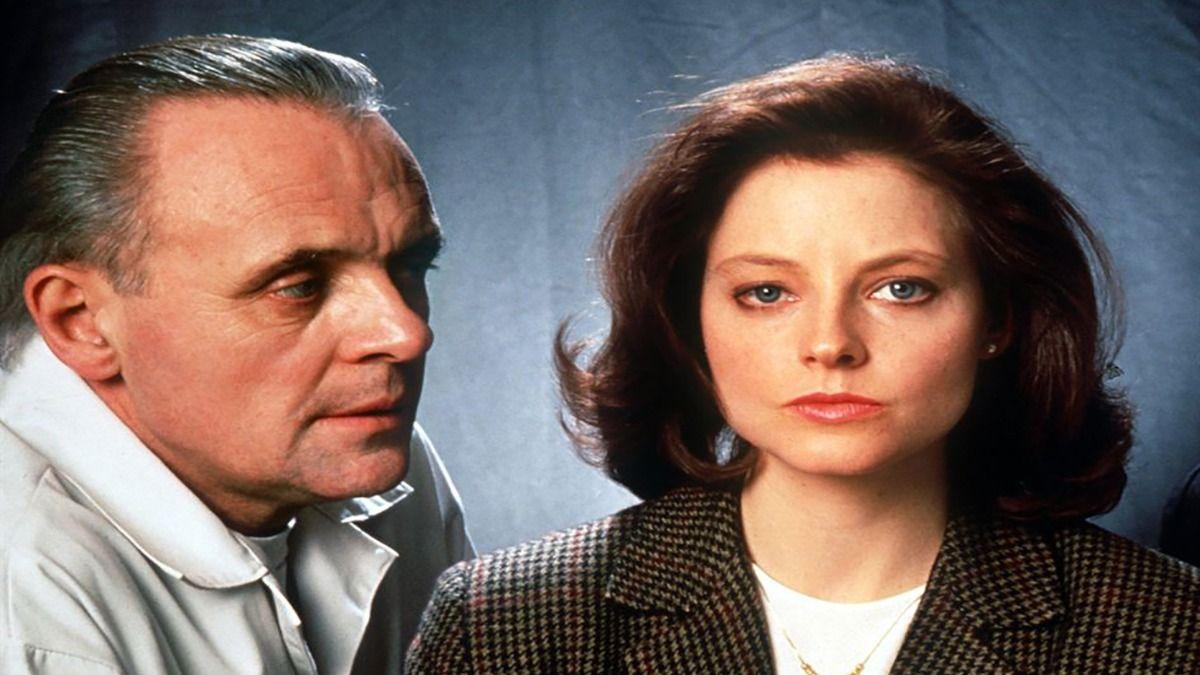 El actor Anthony Hopkins y la actriz Jodie Foster en una escena de El silencio de los inocentes