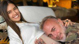 Gianluca Vacchi y Sharon Fonseca publican video en sala de partos