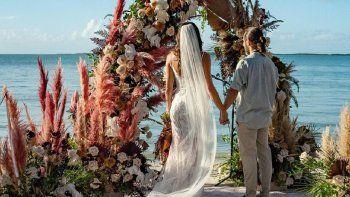 Débora Bello compartió más fotos de su boda con Diego Torres
