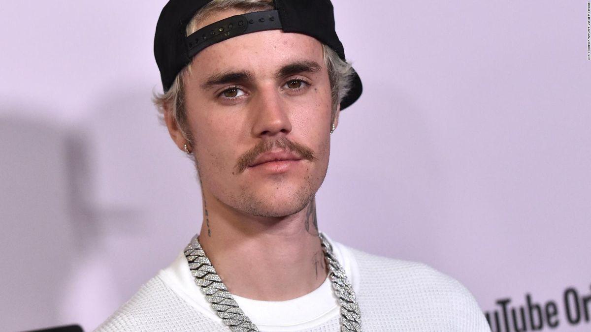 Justin Bieber se defiende de acusación de abuso sexual y vincula a Selena Gómez