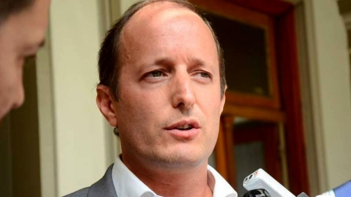 Salud de Martín Insaurralde: Tiene 48hs para mejorar o lo ingresan a terapia intensiva