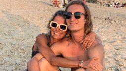 Maru Botana viajó a Francia a abrazar a su hijo Agustín.