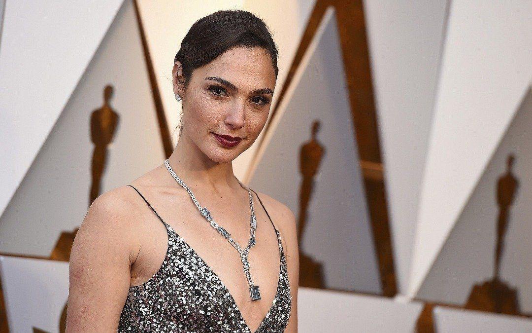 La actriz Gal Gadot acusó al director de Justice League de Maltrato