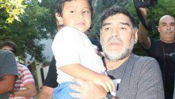 Diego Maradona junto a su hijo menor Dieguito Fernando